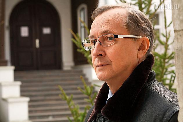 Mark Belov pénzt keres az interneten)