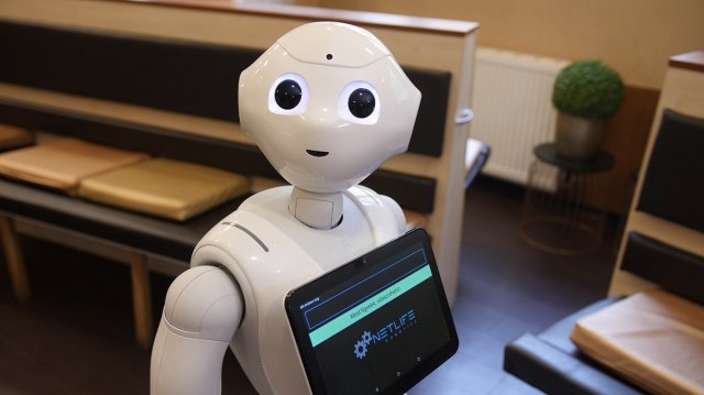 kereskedés a piacon robotok segítségével)