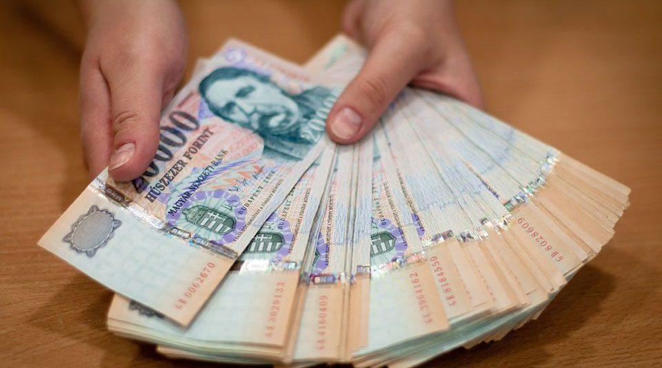 itt keresnek pénzt)