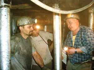 bányászok, akik ezek)