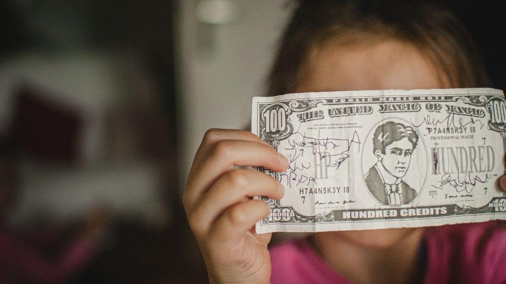 hogyan lehet pénzt keresni, ha 18 év alatti