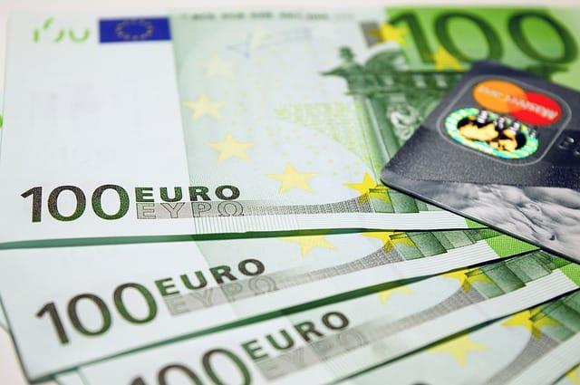 Mennyi pénzt lehet létrehozni online kereskedéssel? | portobalaton.hu