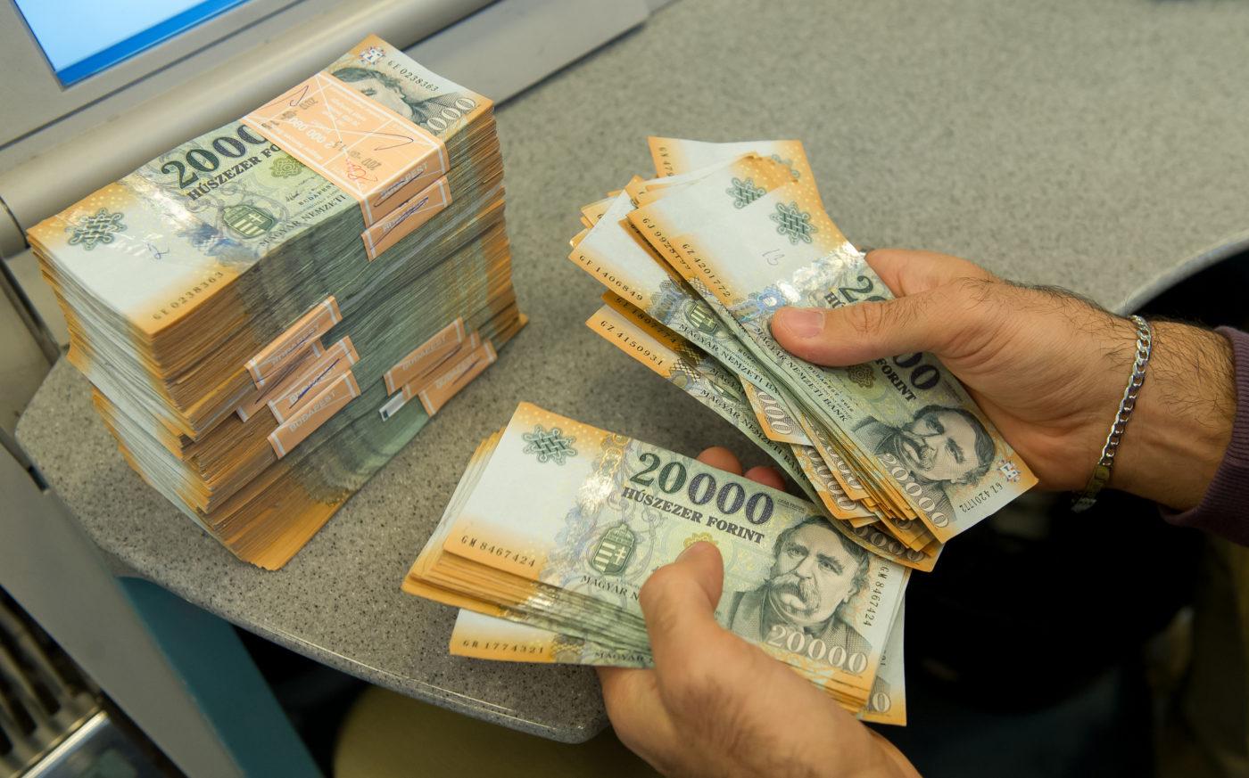 pénz hogyan lehet pénzt megtakarítani meggazdagodni