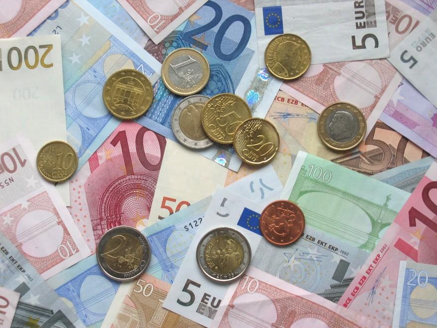 demó számla dollár és euró a bináris opciók napi stratégiái