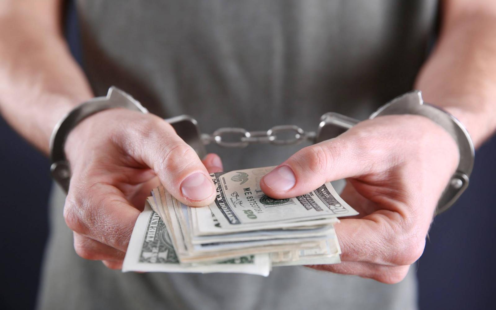 pénzt dollár)